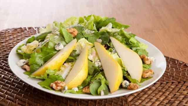 Pear and Walnut Salad Recipe